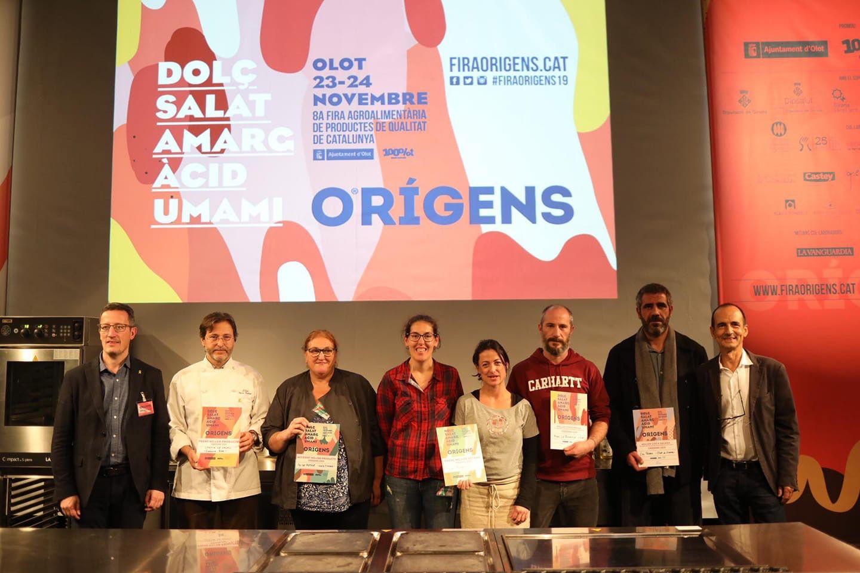 Recogiendo el premio accésit al mejor stand en Feria Orígenes 2019